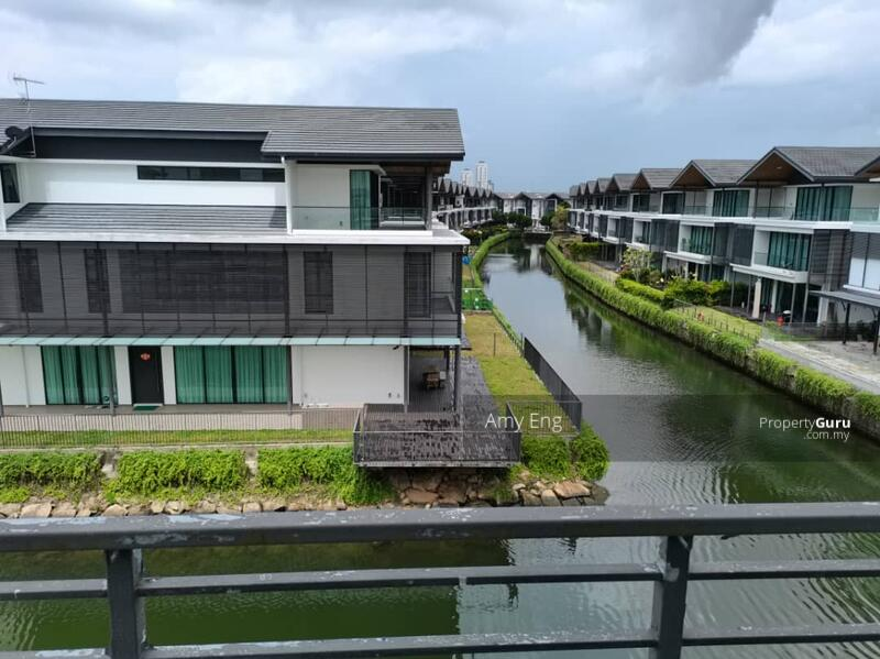 Senibong Isola Villa 3 storey Bungalow #159921774