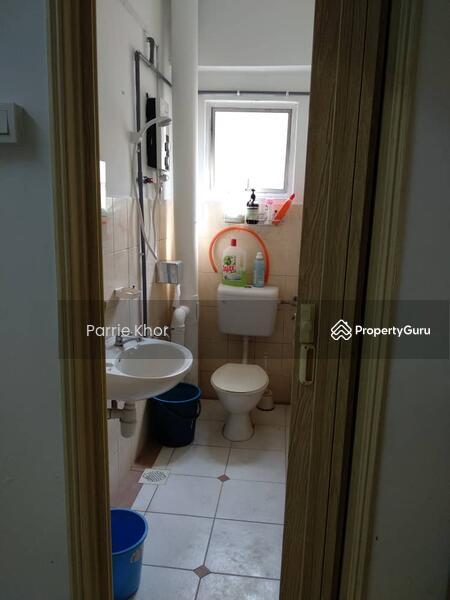 Puncak Desa Apartment #160562846