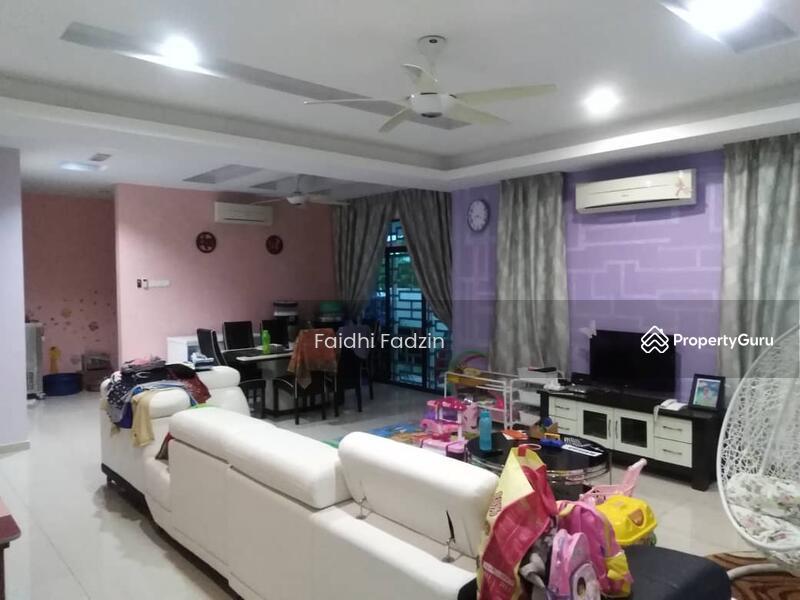 Taman Paya Rumput Perdana #160591948