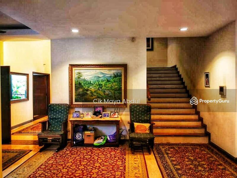 Huge Tropical Bungalow Cul De Sac Exclusive Enclave On A Hilltop #160664918