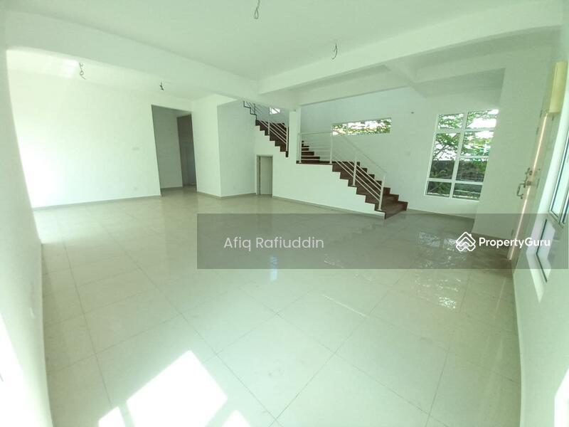 Taman Paya Rumput Perdana #161051302