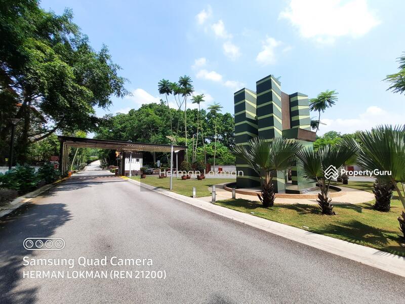 CORNER LOT Freehold Hijauan Saujana Condominium Three Parking Lot #161701796