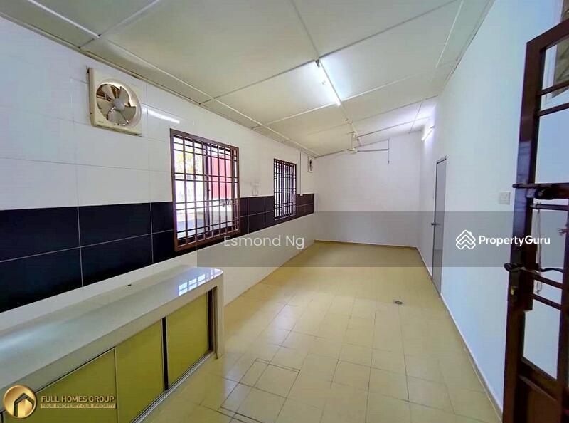 Jalan Indah 5 @ Bukit Indah #162360238