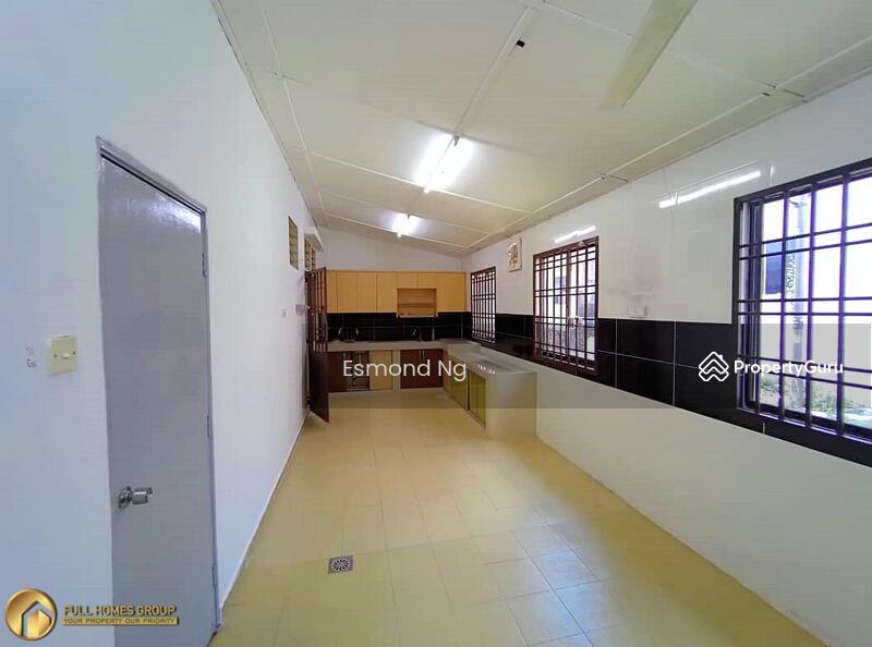 Jalan Indah 5 @ Bukit Indah #162360280
