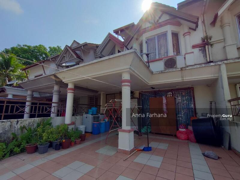 FREEHOLD Double Storey Terrace Taman Bukit Subang Seksyen U16 #162075558