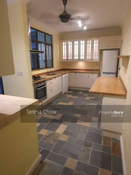 Fully fitted Kitchen with kitchen cabinets, hood & hob, oven, and fridge