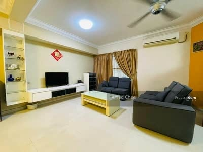 For Rent - Double Storey Terrace House @ Jalan Serampang, Pelangi