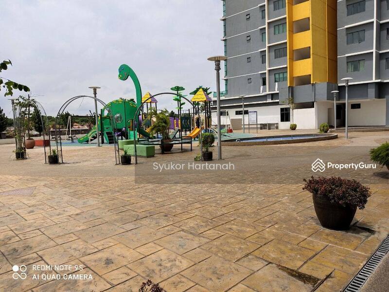 Vista Alam Serviced Apartment #162797394