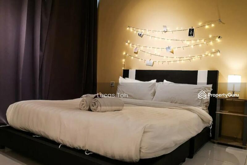 Vista Alam Serviced Apartment #162957990