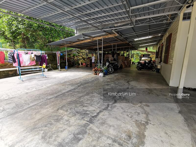 Kampung Bungalow with Orchard Durian Farm #163157606