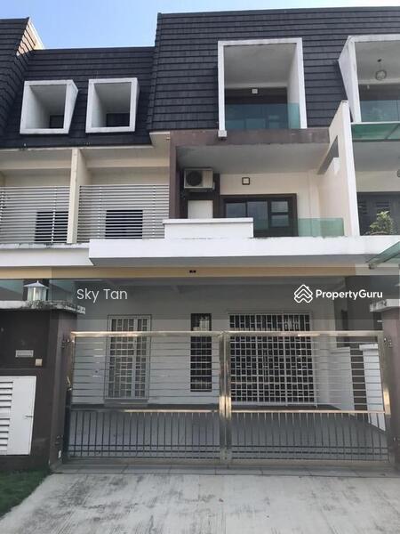 Taman Kempas Utama 2.5 Storey Terrace Fully Furnished Gated New House #163594840