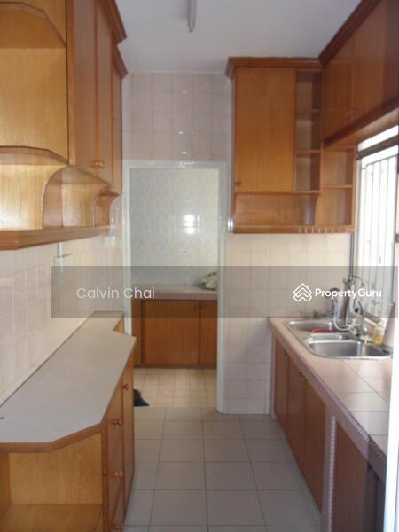 Manor Apartment #164058750