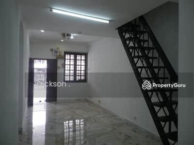 For Rent - Kepong Taman Bukit Desa 1. 5-sty Intermediate House For Rent