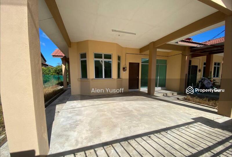 Semi-D Setingkat Taman Ezora Indah 3 Chukai, Kemaman, Terengganu #164133354