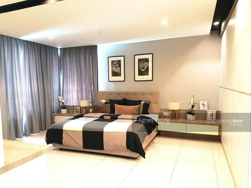 MCO Rebate 18% Luxury SuperLink House 22X75 RM458K Gated Guarded Nearby Bukit Jalil, Puchong #164243004