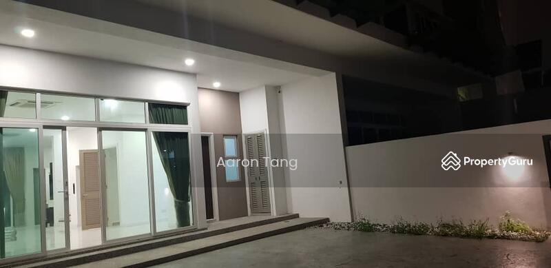 The Rafflesia @ Damansara Perdana #164249286