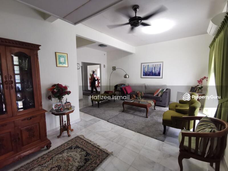 Bandar Sri Damansara #164360604