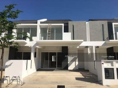 For Sale - [New Classic Project! !]Double Storey 25x80 Free HOC Promotion/Free G&G/Near Highway!