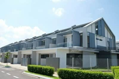 For Sale - Bangsar  ! ! ! Super Big Double Storey only RM372K ! ! ! 100% Full Loan 0% Downpayment ! ! !