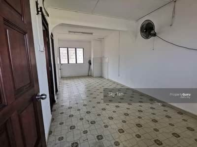 For Sale - Tun Aminah lowcost Flat Freehold Fullloan Renovated Condition 494sqft