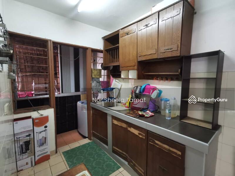 Apartment Bayu Damansara Damai _ Level 2, Built in Kitchen Cabinet #165281710