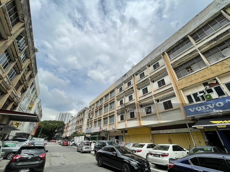 Kawasan Perindustrian Trisegi, Chan Sow Lin #165381606