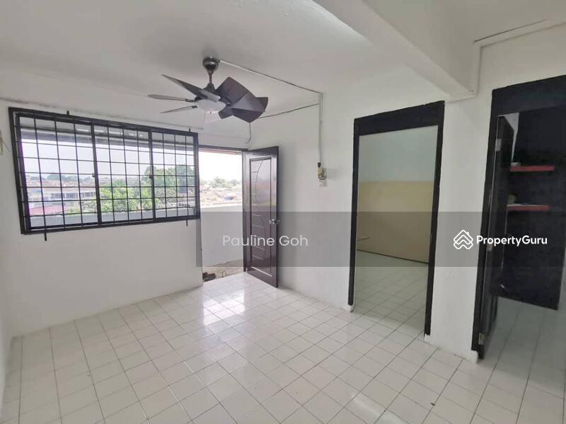Flat Taman Ungku Tun Aminah #165889846