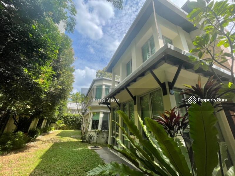Villa Aseana #165968704