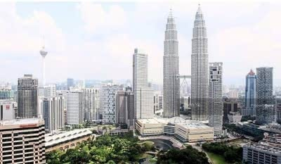 For Sale - 50% Discount ! ! RM220K Nett Price KLCC Luxury Studio Suites [ONLY RM300 TO OWN]