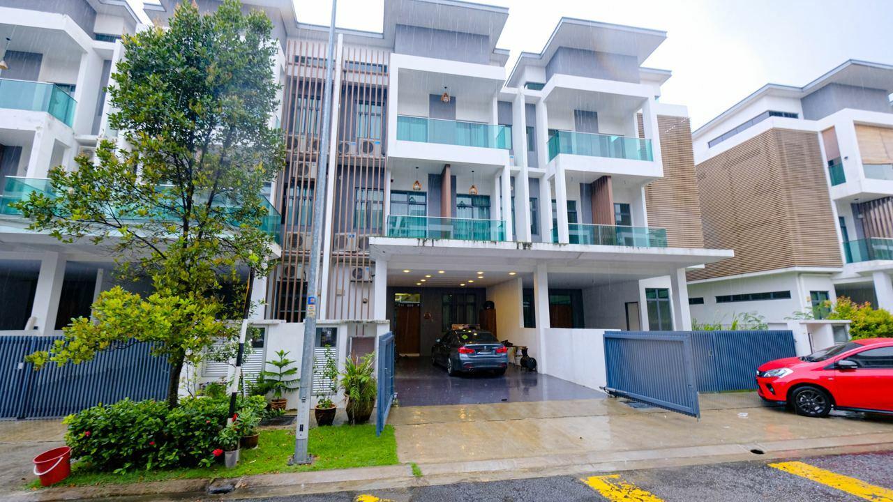 For Sale - Reflexion Pool Villa @ Nusaputra Timur, Puchong South