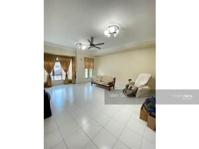 For Sale - Tmn Sutera Utama 2. 5storey house with gated guarded