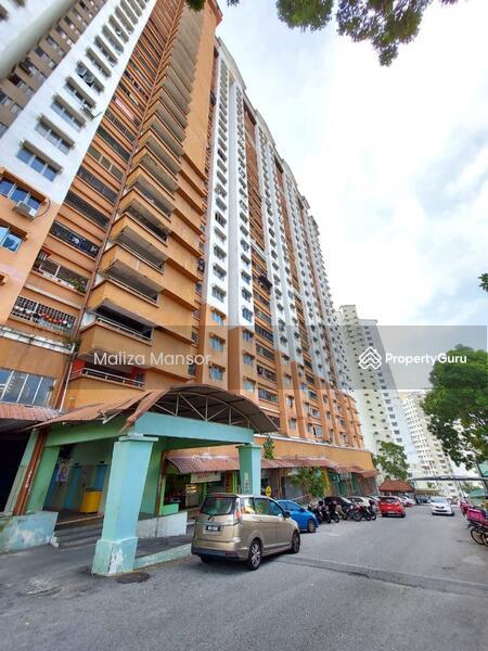 Flora Damansara #166436652