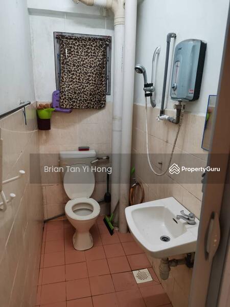 Puncak Desa Apartment #166475394