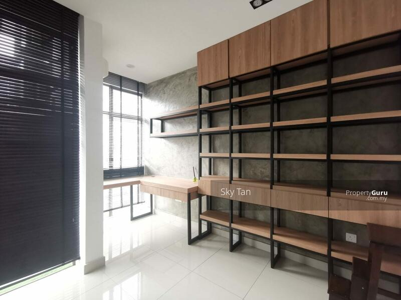 Taman Mount Austin Palazio Apartment Renovated Furnished Cheap 1097sqft #166965118
