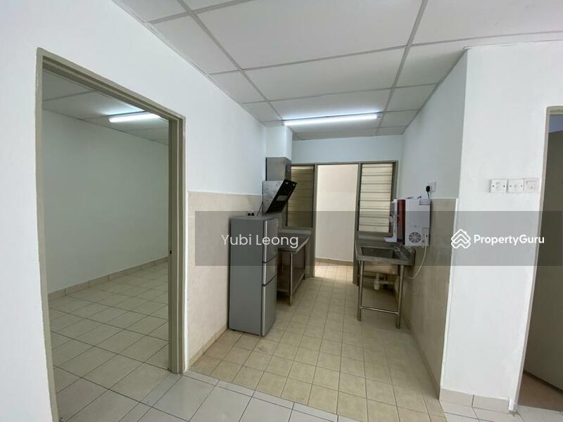 Suria Apartment @ Damansara Damai #167509344