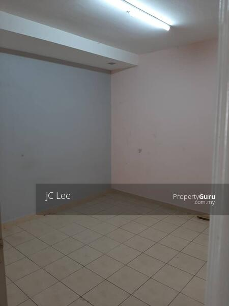 Sri Ehsan Apartment #167647594