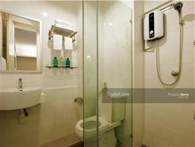 Bathroom (shared with small room tenant)