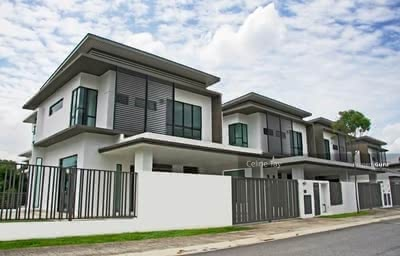 For Sale - Sungai Besi Double Storey Superlink! ! MCO Rebate 2%! ! Gated and Guarded! !