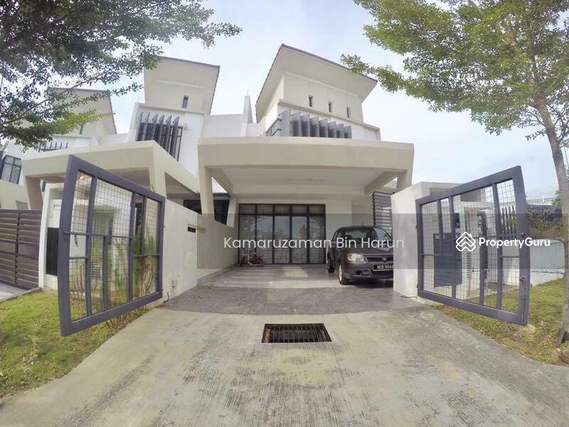 Corner Lot 2 Storey Terrace Laman Glenmarie, Shah Alam. #168453928