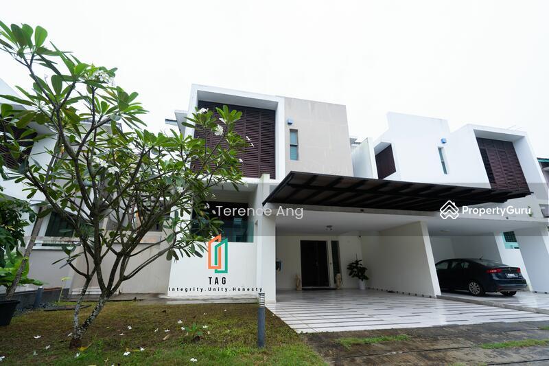 East Ledang - Twin Villa #168593336