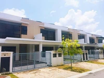 For Sale - Cheras Double Storey Freehold! Monthly Instalment RM1800! ! Gated and Guarded! !