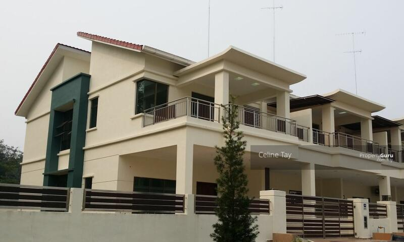 Damansara Gated and guarded! Double Storey Superlink!! Freehold and Individual Title!! #168663114