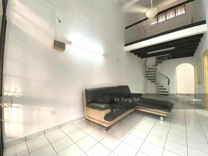 Taman Molek 1.5sty house with renovated #168753530