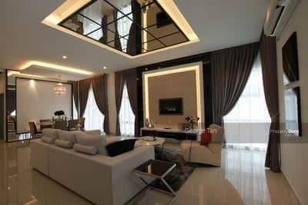 For Sale - { Premium Condo} Low Density & Spacious Condo 1335 Sqft ! !