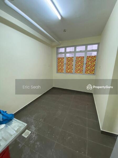 East Bay Luxury Apartment #168982198