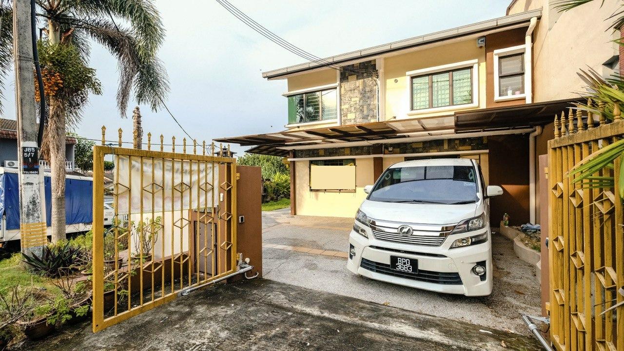 For Sale - Double storey @ Bukit Serdang