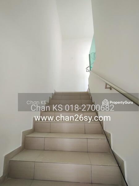 Tiara Sendayan #169123916