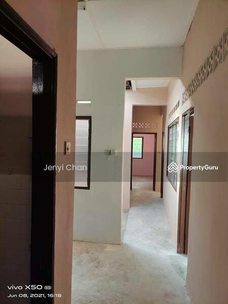 Sri Tebrau #169240822