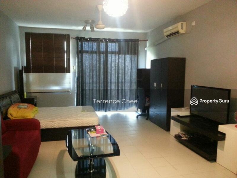 Studio For Lake View Apartment 32042036