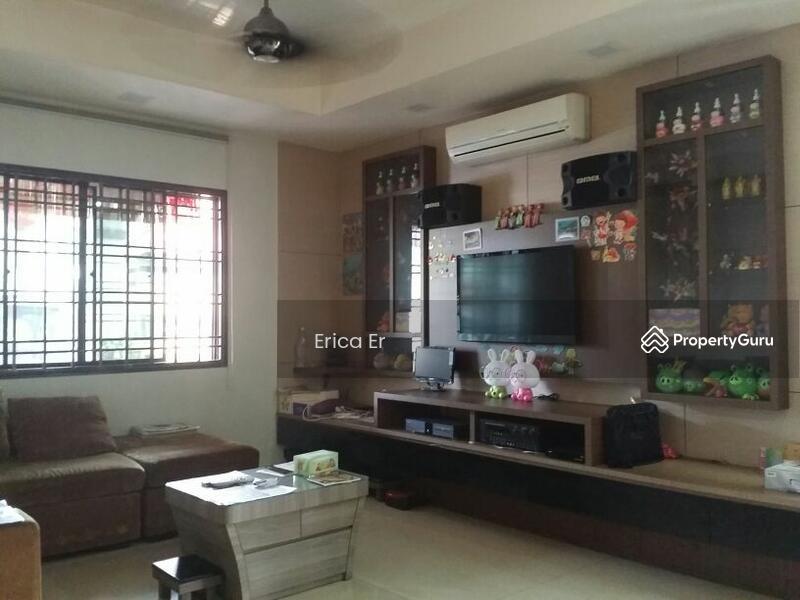 Austin Heights Taman Mount 2 Storey Cluster House Jalan Oakwood 1 XX Johor Bahru 5 Bedrooms 2300 Sqft
